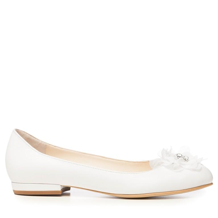 Balerini de mireasa alb perlat cu funda satin si accesoriu pietre cristal Alice